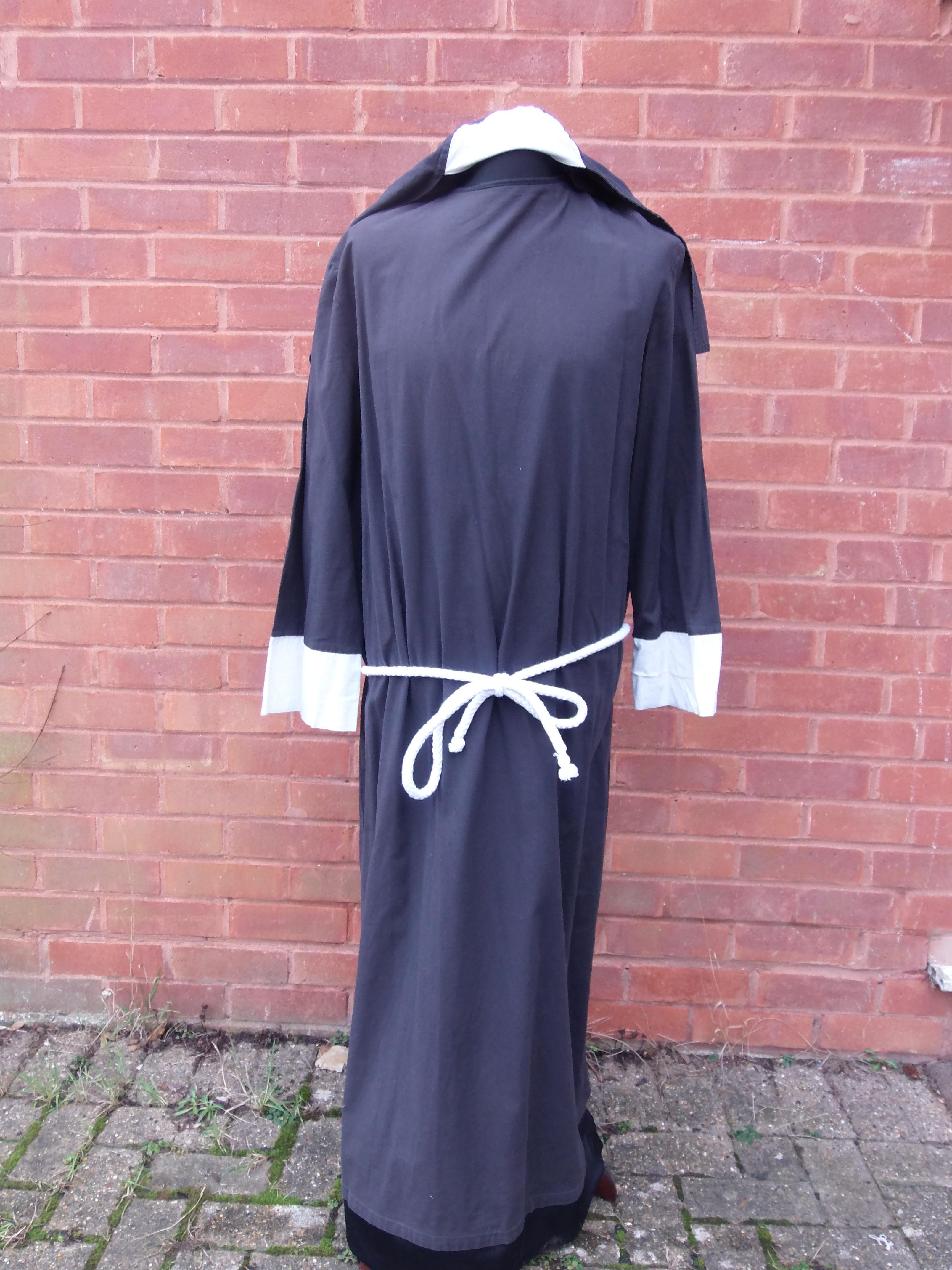 Fairfax - Nun
